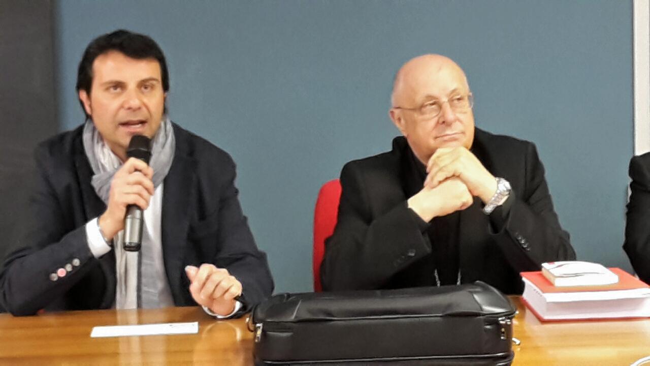 (da sx verso dx) Il professor Giuseppe Falanga e Monsignor Marcello Bartolucci