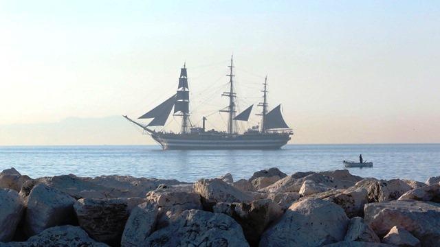 Nave Amerigo Vespucci a Napoli per gli Stati Generali del Mare
