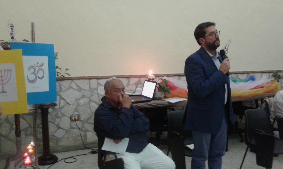 Da sinistra: Paolo Ferrara (comunità ebraica di Napoli) e Massimo Cozzolino (Imam della Moschea di Piazza Mercato - Napoli)