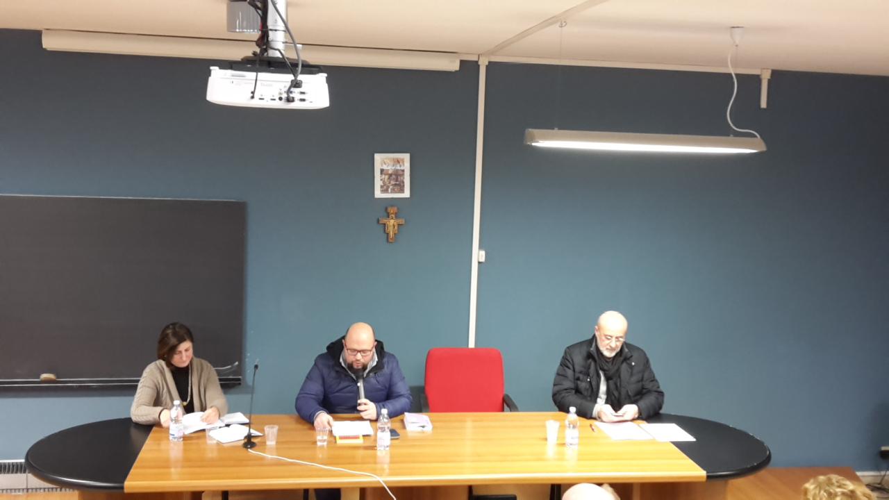 Da sinistra verso destra: Alessandra Trotta, Michele Giustiniano, don Antonio Ascione