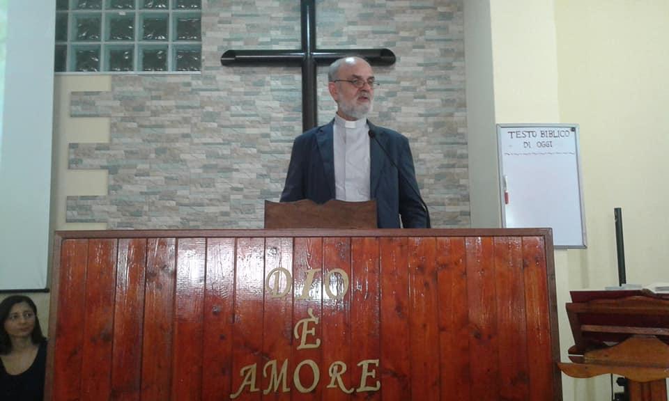 Monsignor Gaetano Castello, biblista, delegato ecumenico e preside della Pontificia Facoltà Teologica dell'Italia Meridionale
